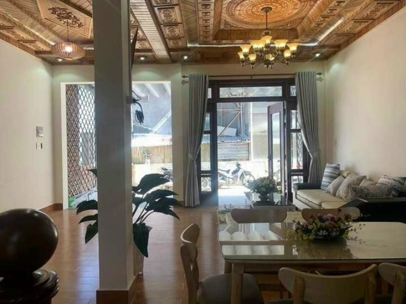 Ảnh của Nhà đất đà lạt cần bán nhà ngô thị nhậm đường ô tô 7 chỗ thoải mái nằm ngay trung tâm thành phố đà lạt gần chợ nam thiên