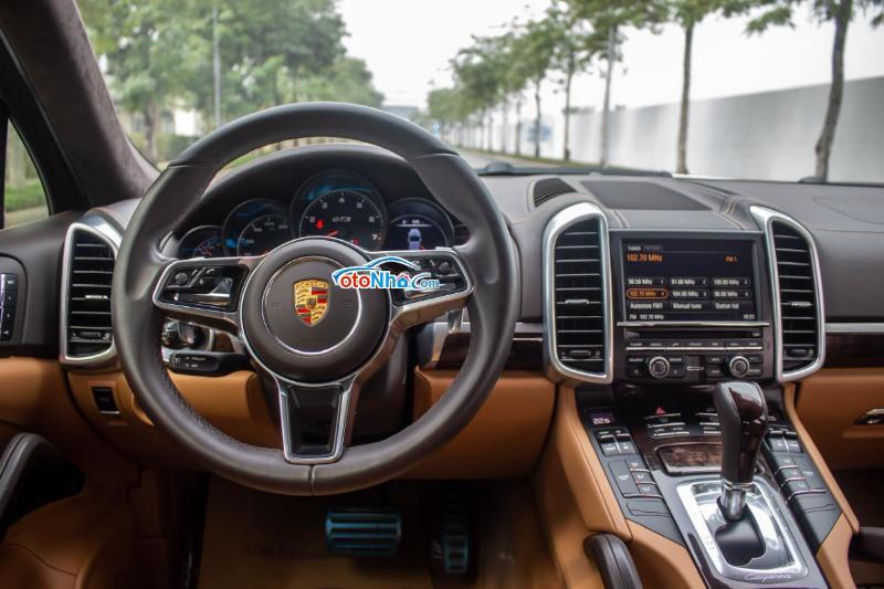 Ảnh của Porsche Cayenne GTS 2015