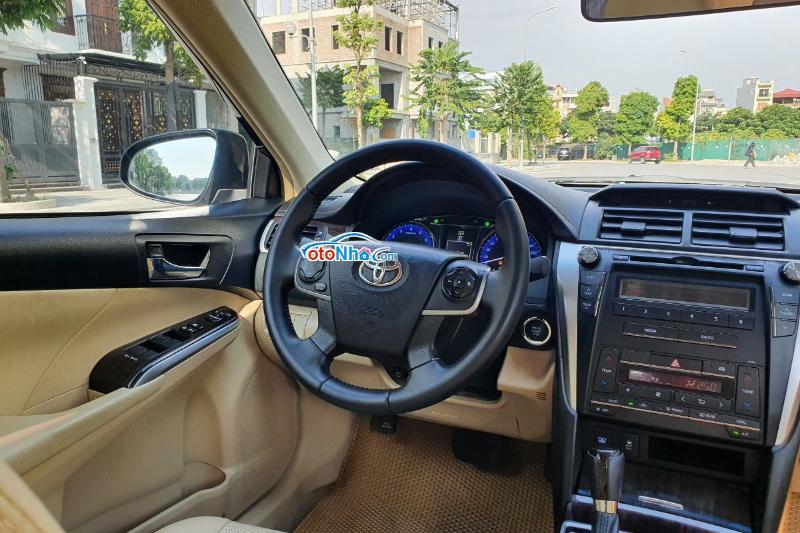 Ảnh của Toyota Camry 2.0E 2018