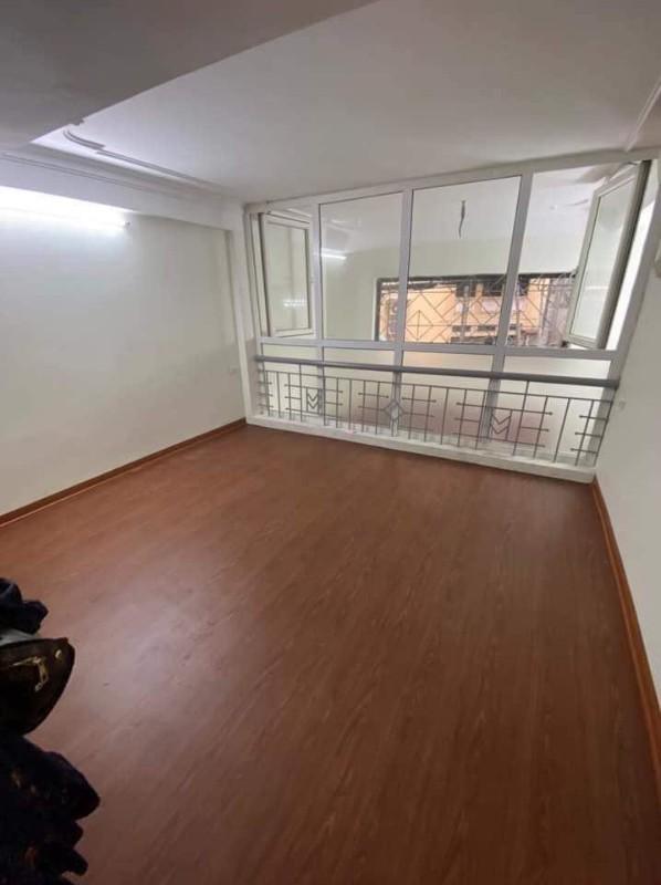 Ảnh của Nhà 4 tầng mặt tiền hơn 4m! cần bán gấp nhà trung tâm đống đa kinh doanh hay ở đều được!