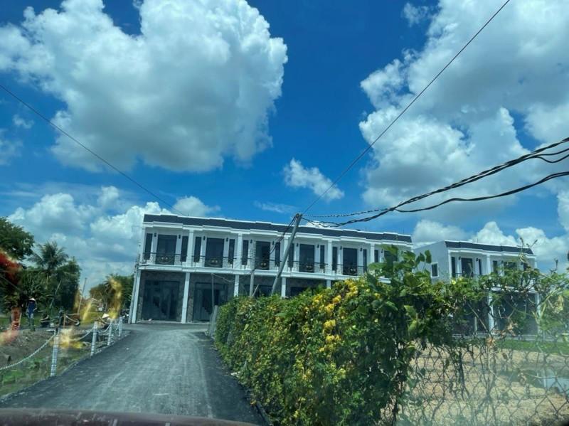Ảnh của Nhà hoàn thiện mới 100% , đúc kiên cố , an cư muôn đời , bảo hành kiến trục 2 năm...