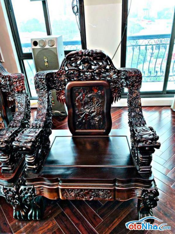 Ảnh của Bán bộ bàn ghế rồng gỗ Trắc đỏ đen xịn 100%