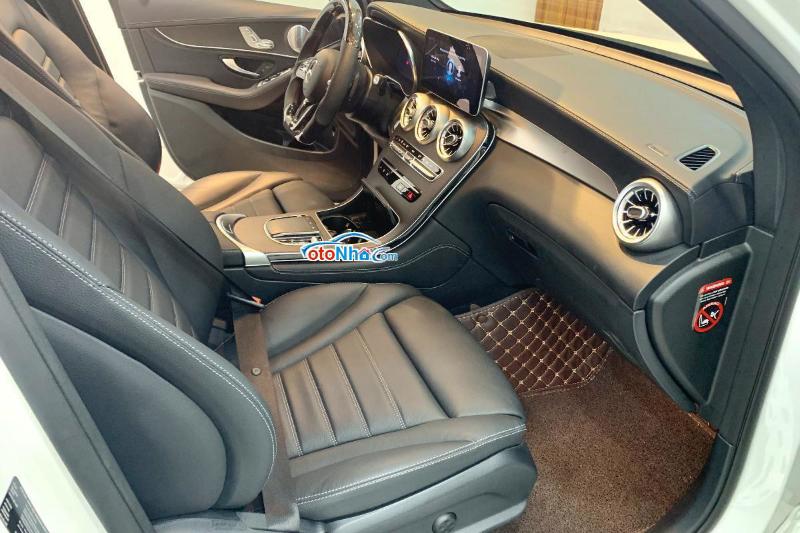Ảnh của Mercedes GLC 300 model 2021