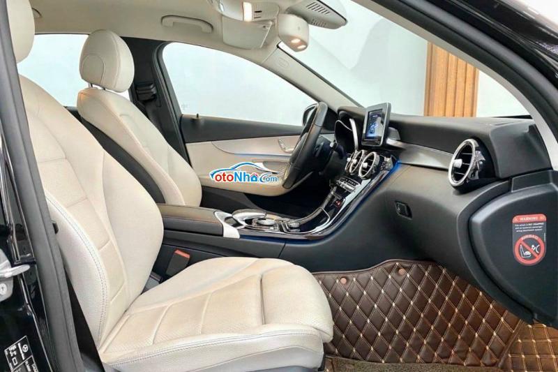 Ảnh của Mercedes C200, model 2017