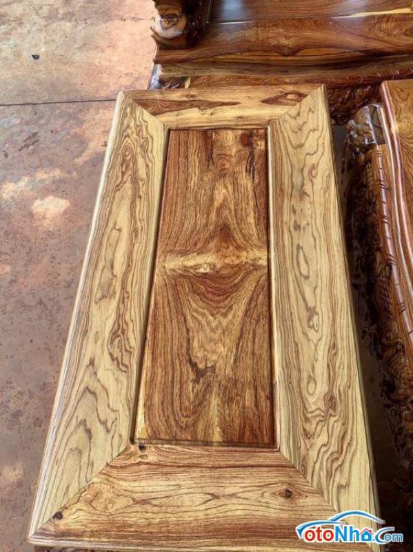 Picture of bộ nghê đỉnh chất liệu gỗ cẩm chỉ gồm 10 món tay 17 1 bàn to218 x82 1 đoản 212x68 4 ghế