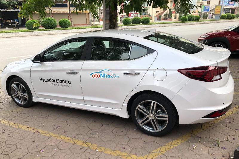 Ảnh của Hyundai Elantra 2021