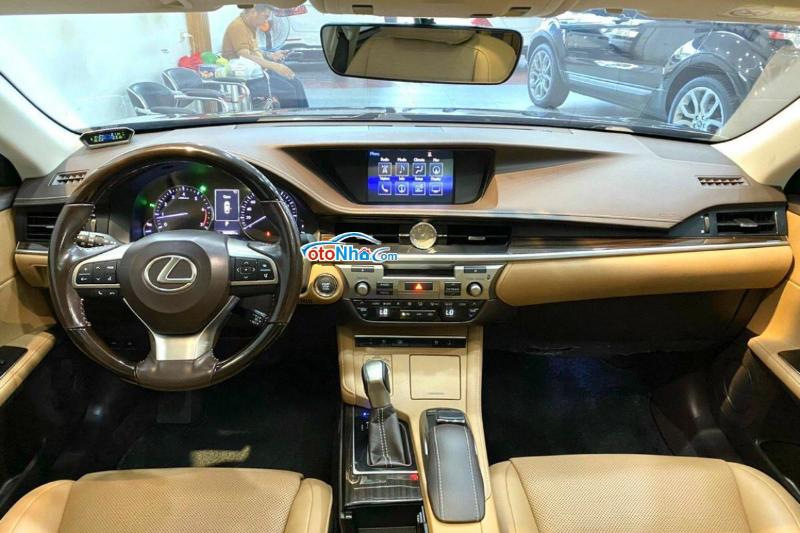 Ảnh của Lexus ES 250, model 2017