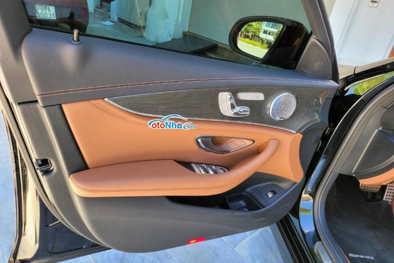 Ảnh của Mercedes E300 model 2021