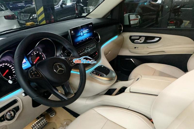 Picture of Mercedes V250 AMG 2021