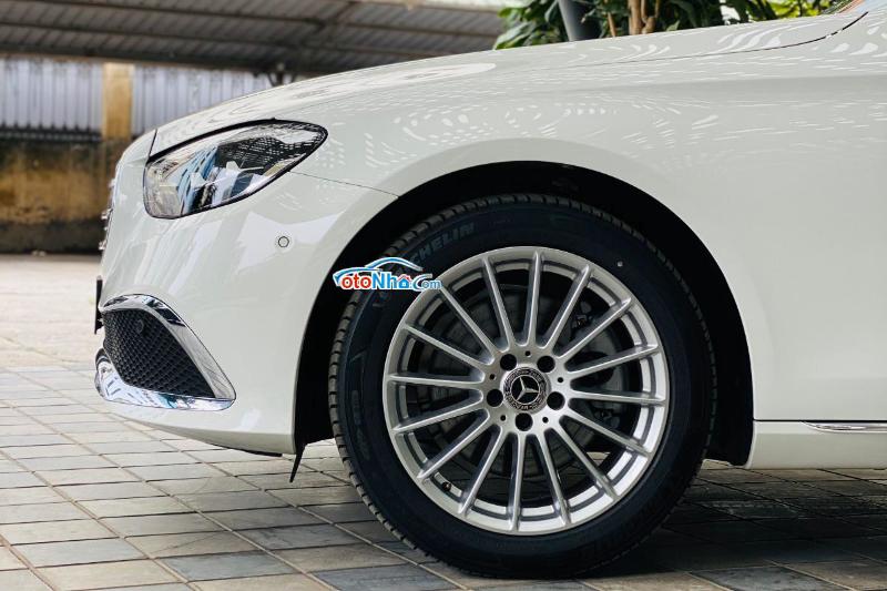 Ảnh của Mercedes E200 Exclusive 2021