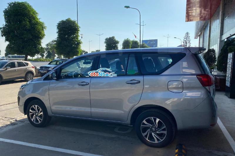 Ảnh của Toyota Inova E 2.0MT trả trước chỉ 242tr