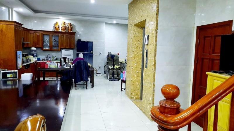 Ảnh của Bán nhà nguyễn khánh toàn, thang máy, kinh doanh, 64mx6t, giá 9.4 tỷ, lh:0947068686