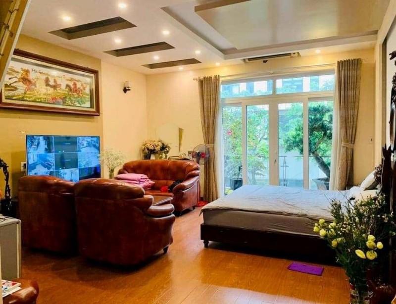 Ảnh của Tôi bán nhà mặt phố nguyễn hữu thọ view hồ linh đàm 80m2x5t chỉ 18.9 tỷ. lh 0989.62.6116