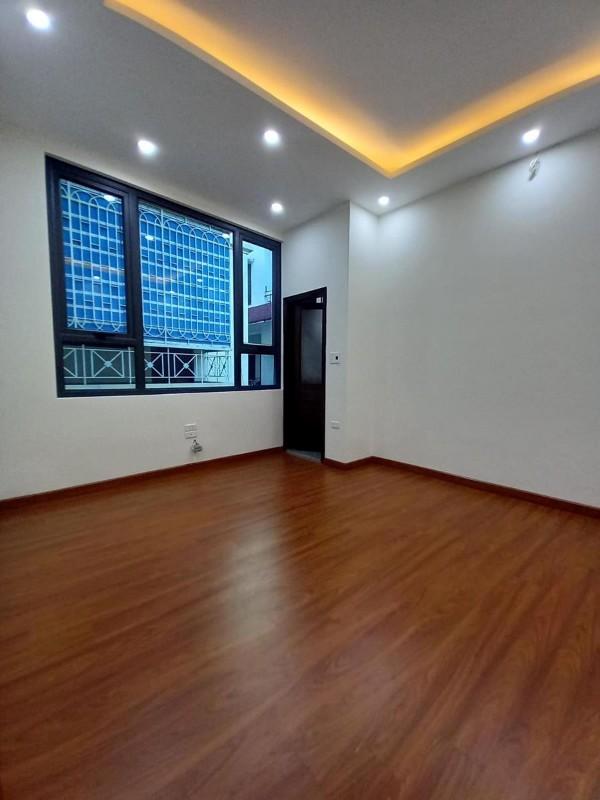 Picture of Mặt phố láng hạ 90m2 vỉa hè 4m, 340tr/m2 , khu văn phòng cao cấp