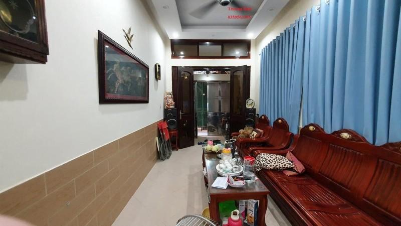 Picture of Bán gấp nhà đẹp trương định-ngõ thông-28m x 5t- 2.38 tỷ.