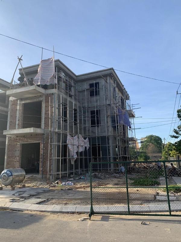 Ảnh của Cần bán nhà 3 tầng mới hoàn thiện xong phần thô ngay tại tt thành phố