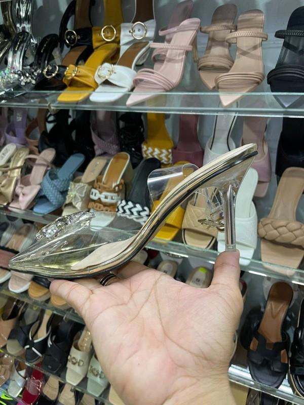 Ảnh của Chính chủ cần sang nhượng toàn bộ lại shop giày dép, túi xách thời trang nữ ở thành phố cần thơ