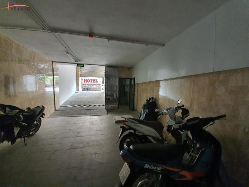 Picture of Bán khách sạn cổ linh, 103m2x8t, 25 phòng, ô tô tránh, dt 500tr/tháng, nhỉnh 33 tỷ.