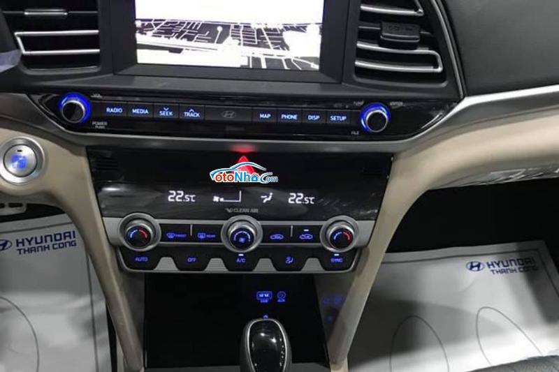 Ảnh của Hyundai Elantra 2.0 AT