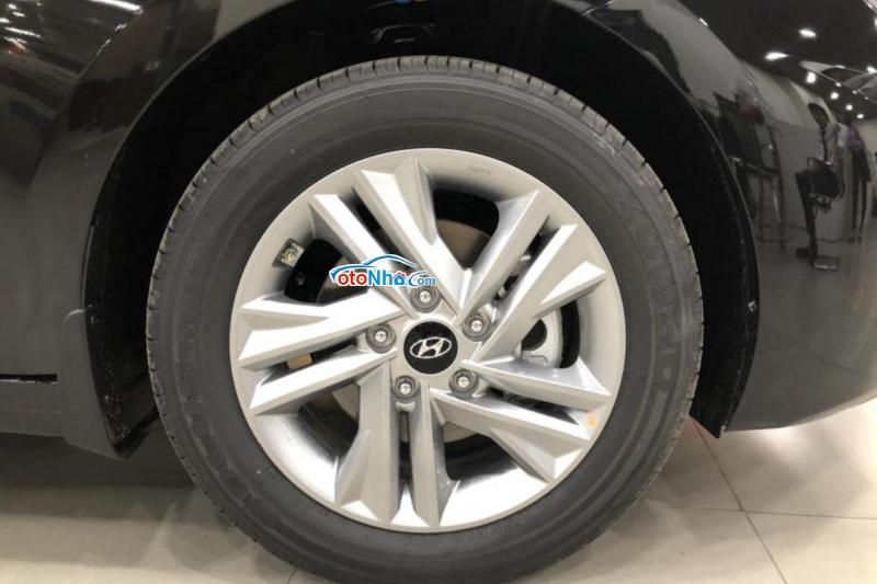 Ảnh của Hyundai Elantra 1.6 AT